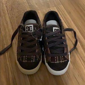 DC brown shoes